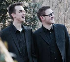 Pianist Lukas Saalfrank und Sänger Tobias Klomp