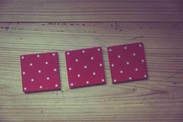 Drei Karten eines Memory-Spiels